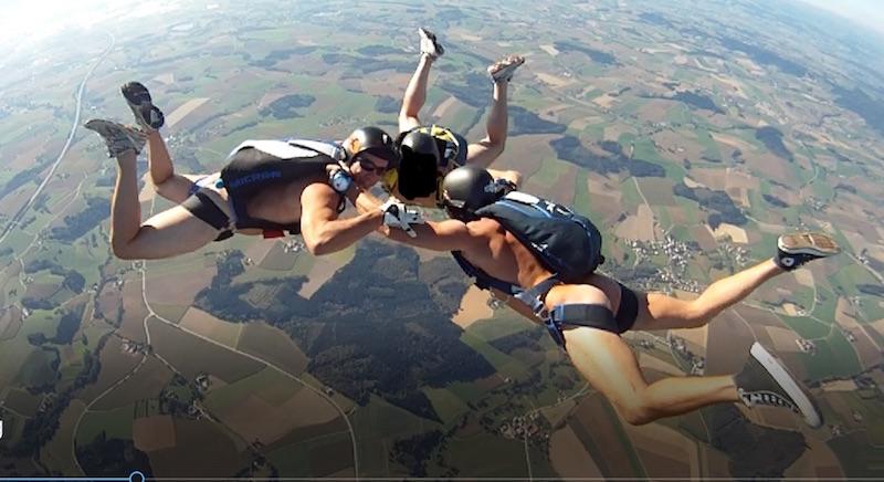 Parachuting the sarcastic cynic
